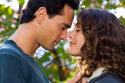 randevú 2 hónap nincs csók csatlakoztathat egy autó erősítőt a fali aljzathoz