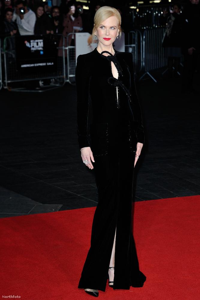 A színésznő emiatt járt október 12-én Londonban, ahol, bár rendkívül elegáns ruhát vett fel,
