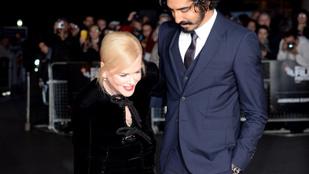 Nicole Kidman ruhája nagyon, nagyon szétnyílt elöl