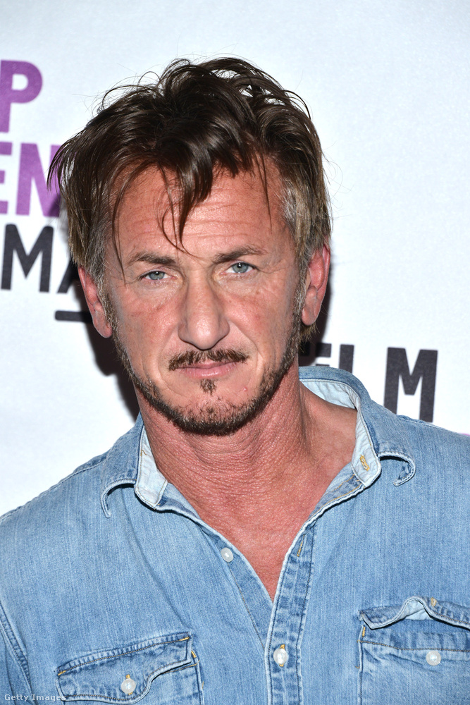 Sean Penn azóta Charlize Theronnal is járt, de a pár tavaly szakított.