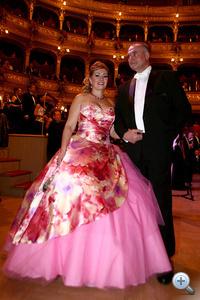 Kiszel Tünde az Operabálon - rózsaszín