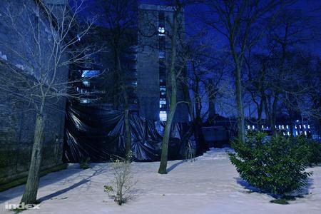 Paraván az épület körülFotó: Huszti István