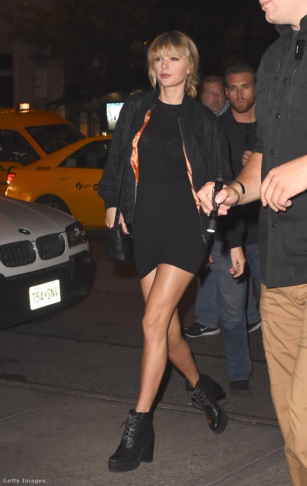 Taylor Swift vonzza tehát az érdekes embereket