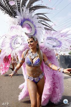 Kolumbiában a bögyösöké a karnevál.