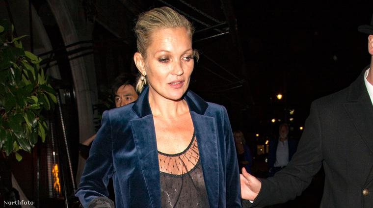 Kate Moss Londonban szeptember 16-án.