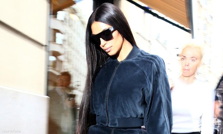 Kim Kardashian Párizsban október 1-én.