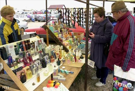Kölnit, parfümöt a piacról?