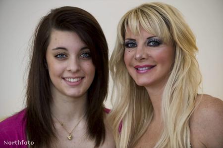 Hannah Burge (16) és édesanyja Sarah Burge (49)