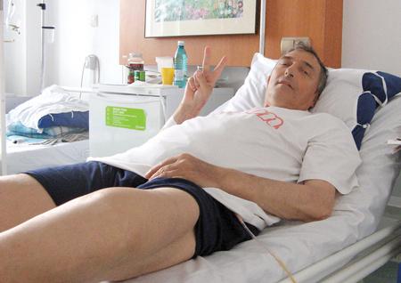 Birtalan a kórházi ágyán (Fotó: prosport.ro)