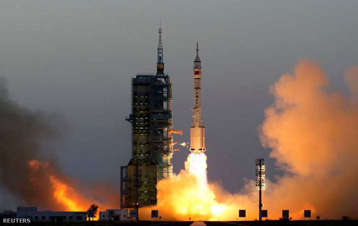 2016-10-17T002432Z 1994354186 S1BEUHJYAIAB RTRMADP 3 CHINA-SPACE
