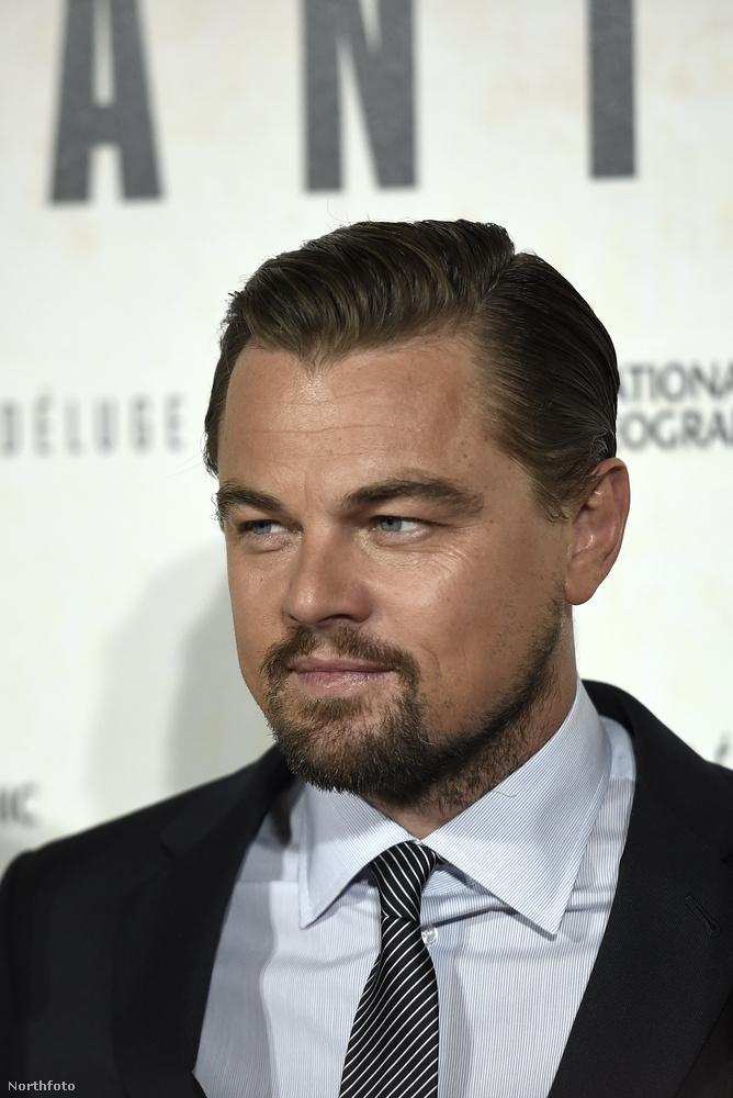 Csak sajnos az Oscar díjas színész egy lesifotó által úgy tűnik, bort iszik és vizet prédikál.