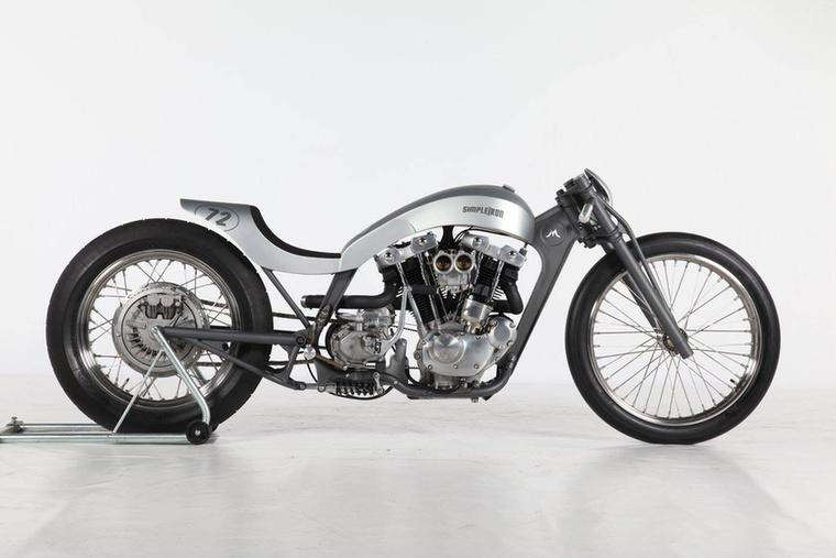 A Freestyle kategória második helyét a német Michael Naumann szerezte meg a Simple Iron fantázianevű Harley-Davidson Ironhead blokkos Harley Sportsterrel.