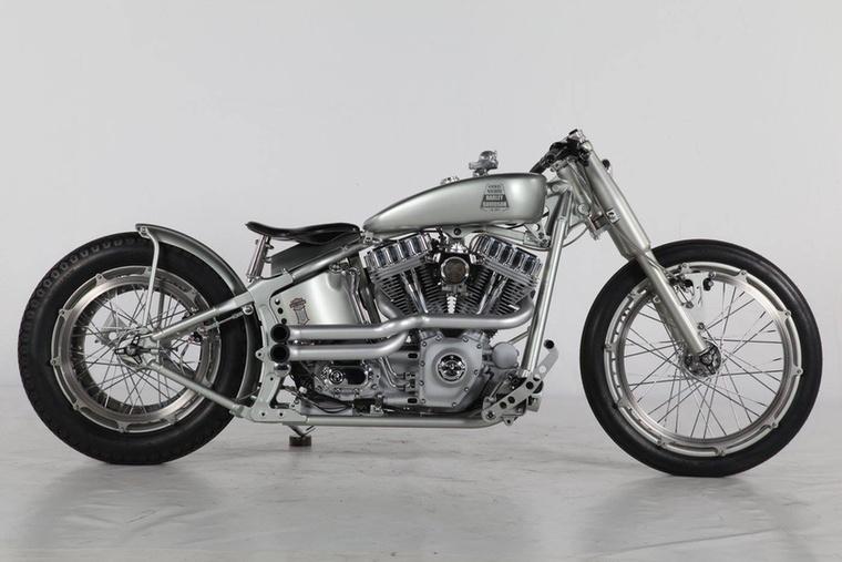 A Modified Harley második helyét a 2014-es bajnok One Way Machine csípte meg az Iron Riot nevű gépükkel