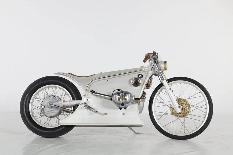 A Café Racer kategória második helyét a német Kingston Custom csípte meg a BMW White Phantommal
