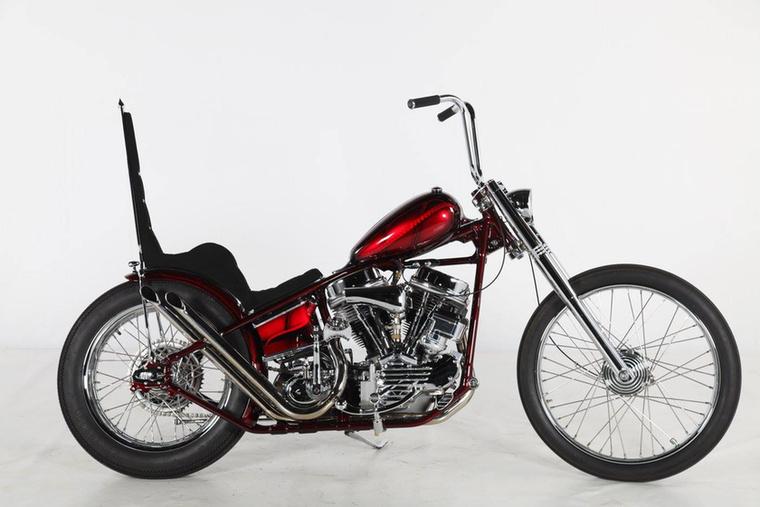 A retró második helyét a német Thunderbike szerezte meg a 30th Anniversary Panheaddel, ami egy klasszikus retró choppernek megépített Harley-Davidson Panhead.