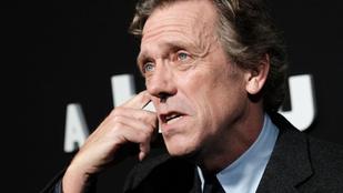 Ki kell ábrándítanunk: Hugh Laurie-n is fognak az évek