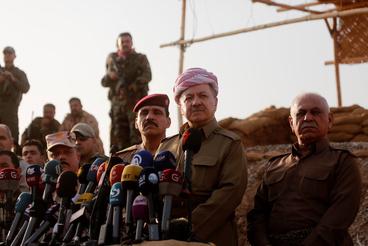 Nem elég visszafoglalni a várost, békét is kell biztosítani. Törökország, arra az esetre, ha felekezeti harcok robbannának ki a keresztények, jazidik, kurdok, síita és szunnita iraki arabok között kész több százezer menekültet is befogadni. A vallási villongásnak van esélye már csak azért is, mert a szunniták lakta területek felszabadításában síita milíciák is részt vesznek.