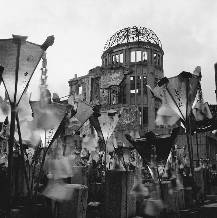 A fotóriporter legismertebb képe a Hirosima bombázás után.
