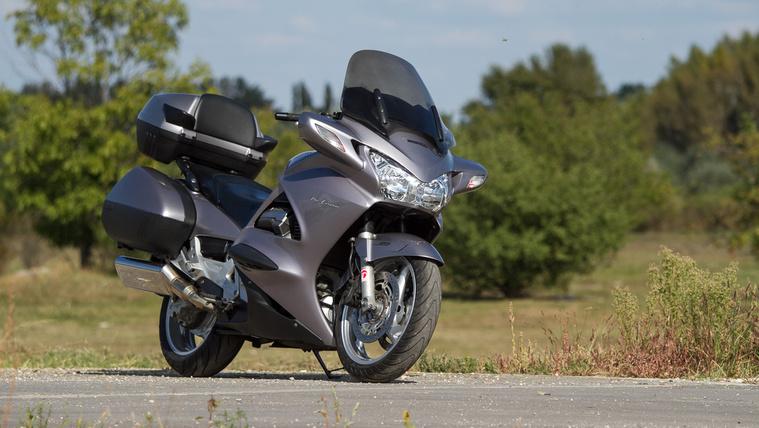 V4-es Honda: nem lehet nem szeretni