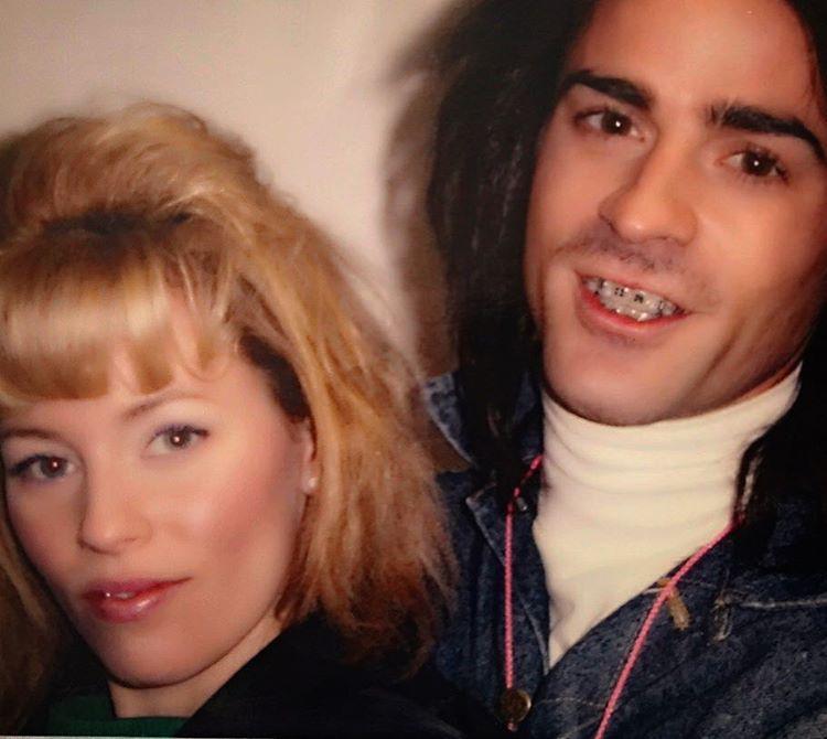 Egy színész az Instagramra posztolta ki ezt a régi fotót, ami egy 2005-ös film forgatásán készült, és mellette egy színésznő látható rajta