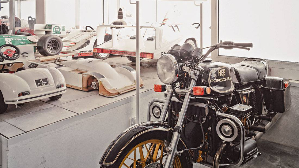 A Hess-Porsche motorkerékpárból csak ez az egy készült. A motorja a 356-osból származott, ami nem bizonyult előnynek: a jármű így kb. 300 kilogrammot nyom