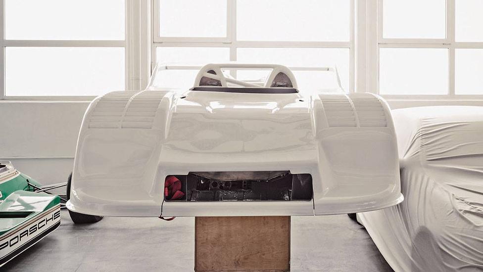 A Can-Am-gyilkosként hírhedté vált 917/30 szélcsatorna-modellje. A gép 5,4 literes, léghűtéses, 12 hengeres bokszermotorja turbófeltöltéssel akár 1580 lóerős is lehetett, legalábbis edzésen. Kellett a jó aerodinamika, hogy az úton maradjon