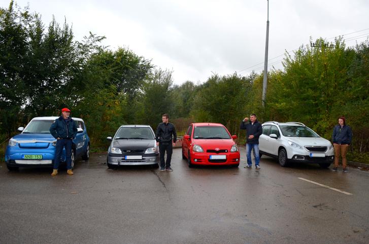 Egész izgalmas gyorsulási versenyt sikerült Szolnokon összehoznunk - hála az érdekes autókkal rajthoz álló olvasóknak
