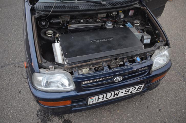 ...saját kivitelezésben átalakított elektromos Daihatsu is eljött a célba