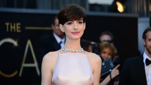 Anne Hathaway azt hitte, belehal a szégyenbe, de nem