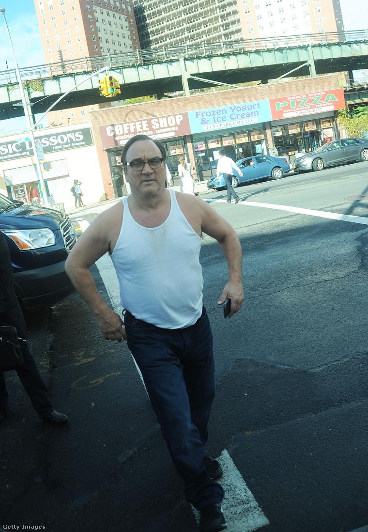 James Belushi színművész látható tehát ezen a képen.