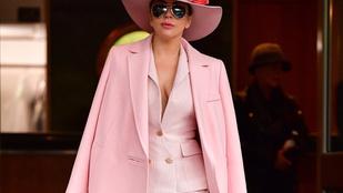 Lady Gaga pink szettje nyomokban nadrágot is tartalmazott