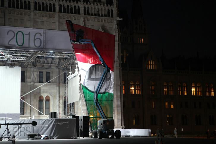 A parlamentnél állami ünnepségek és tüntetések lesznek.