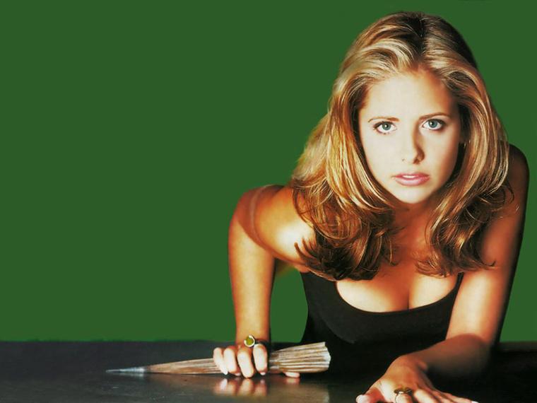 hogy Whedon szerint a Buffy címszereplőjének ki volt az igazi lelki társa.Hasonló kérdésekkel foglalkoztunk már ebben az írásban: adott egy női karakter (esetünkben Buffy, akit Sarah Michelle Gellar alakított), és hol ez a párja, hol az