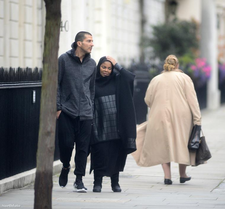 Szóval, ha éppen Londonban jár és ilyen típusú ruhában sétáló, Janet Jacksonra megszólalásig hasonlító nőt lát, bízzon a megérzéseiben!