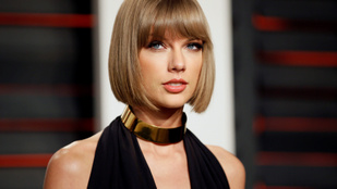 Taylor Swift egy régi, nyomi fotóval emlékezett lemezére