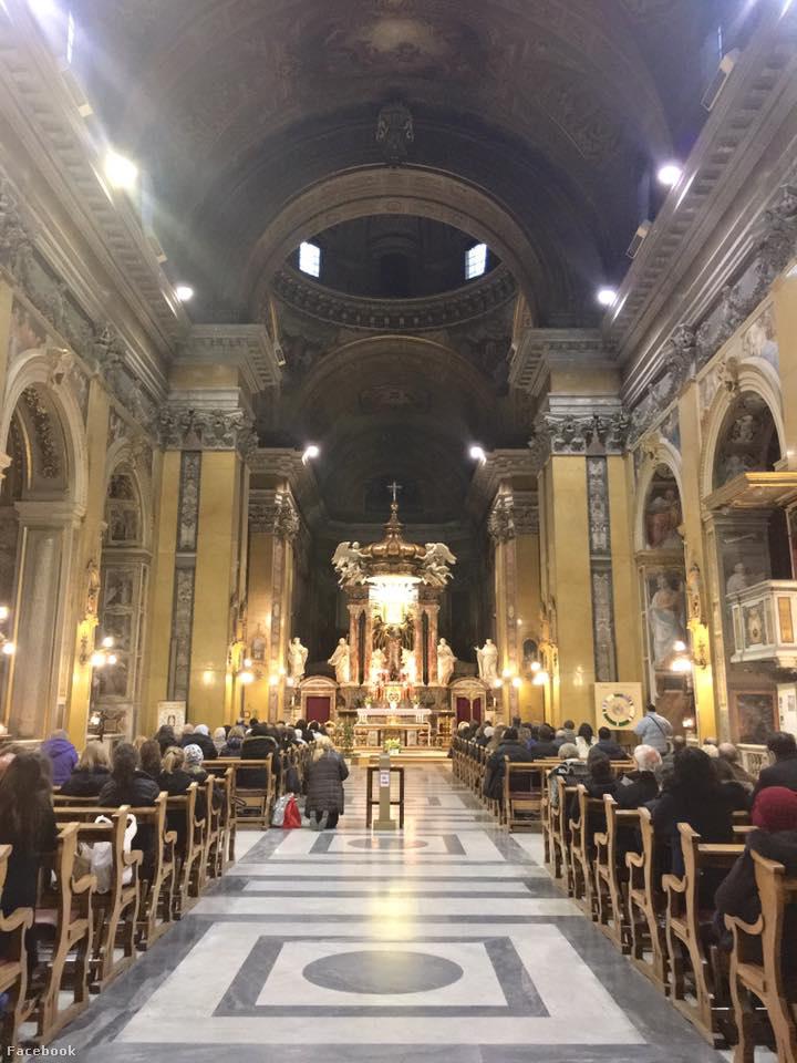Ebben a templomban dolgozik Taraborelli atya