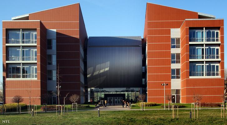 A Budapesti Mûszaki és Gazdaságtudományi Egyetem Q épülete