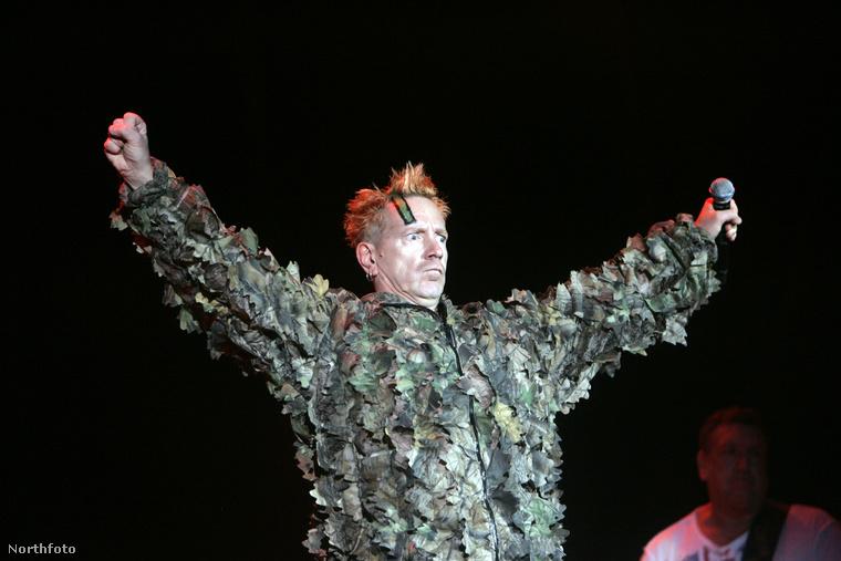 ez pedig a 2008-as Sziget fesztiválon.