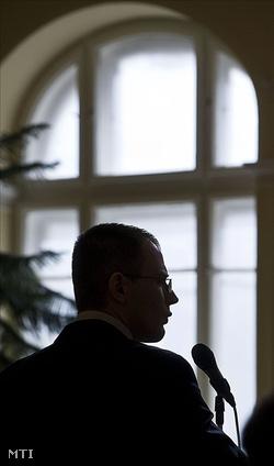 2010. március 17.: Zuschlag  János az utolsó szó jogán beszél (Fotó: Ujvári Sándor)
