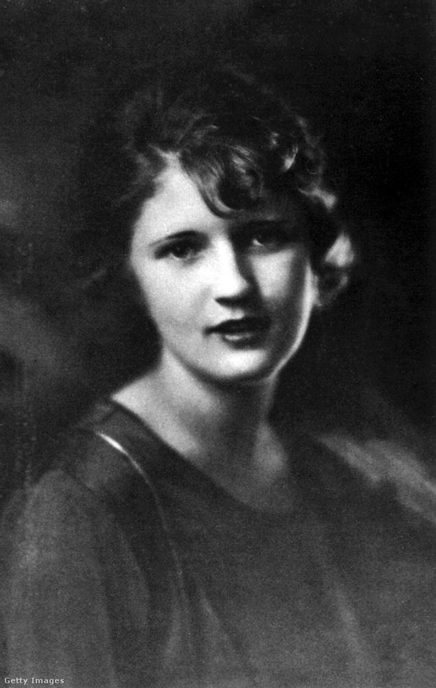 Ez a nő pedig Zelda Fitzgerald, akiről talán az a legismertebb tény, hogy a híres amerikai író, Francis Scott Fitzgerald felesége volt