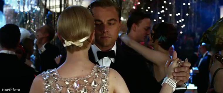 A Nagy Gatsby (amelyből film is készült Leonardo DiCaprio főszereplésével) 1925-ben jelent meg, Fitzgerald ugyanebben az évben ismerkedett meg Ernest Haminway-jel