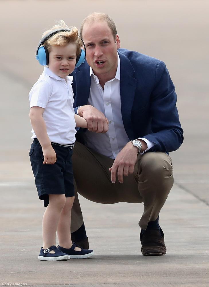 Legalább olyan magabiztosan sétálgatott a királyi légiparádén júliusban,