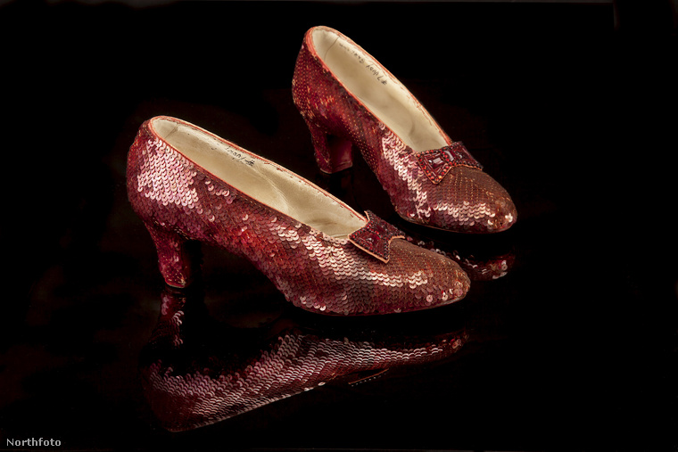 tk3s sn judy garland red shoes2