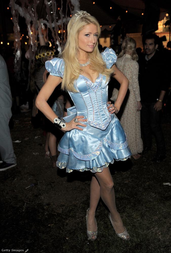 Paris Hilton csak beöltözött Paris Hiltonnak.