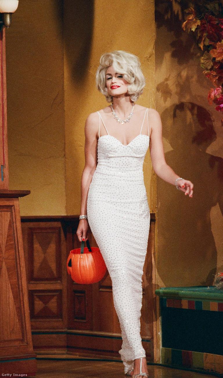 Jay Leno Halloweeni műsorában Cindy Crawford öltözött Marilyn Monroenak