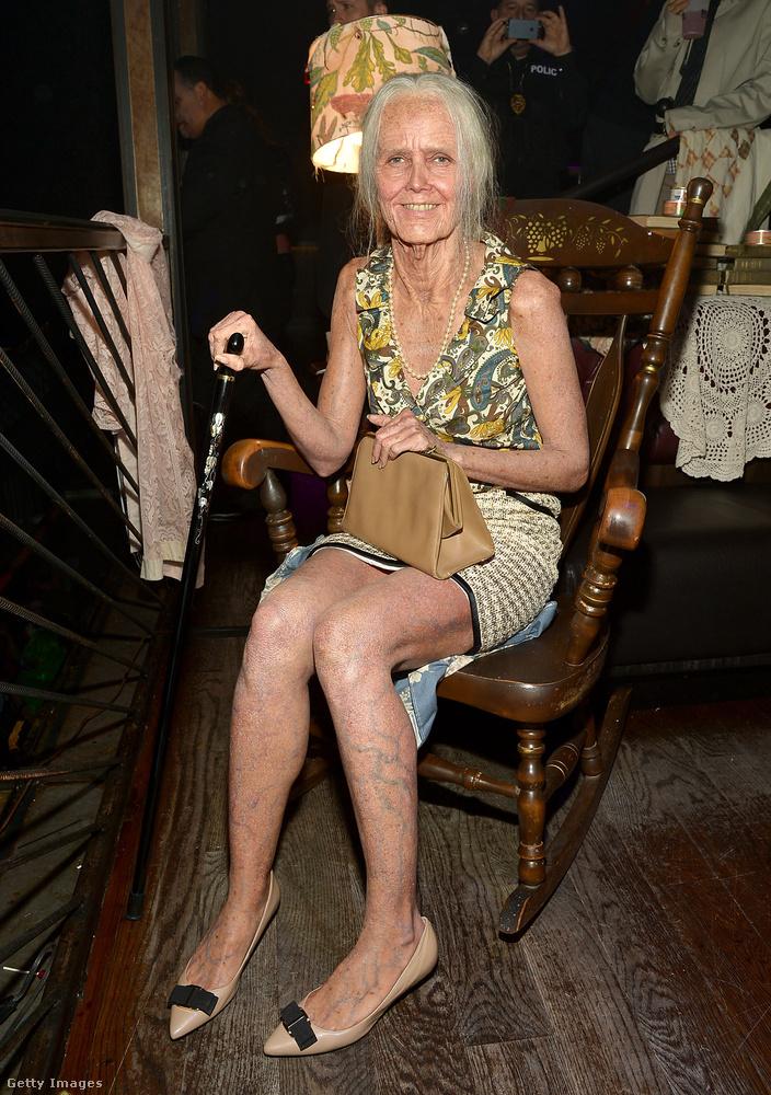Ez még mindig Heidi Klum, öregasszonyként.