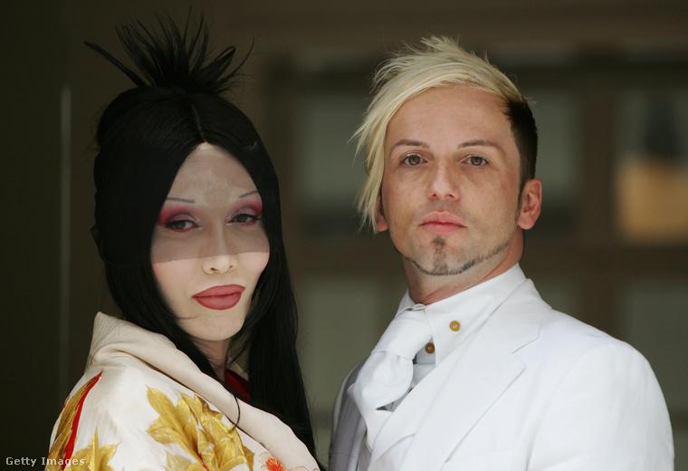 Pete Burns és Michael Simpson esküvőjén készült ez a kép 2007 júliusában.