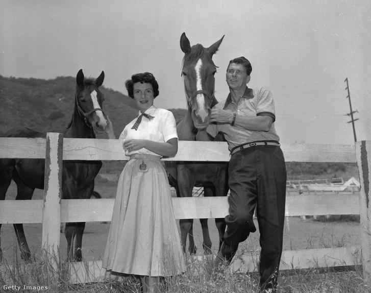 Nancy és Ronald Reagan 1956-ban