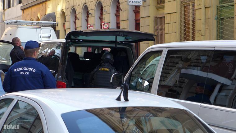 A rendőrök egy bejelentett fegyver miatt vonultak ki a helyszínre.
