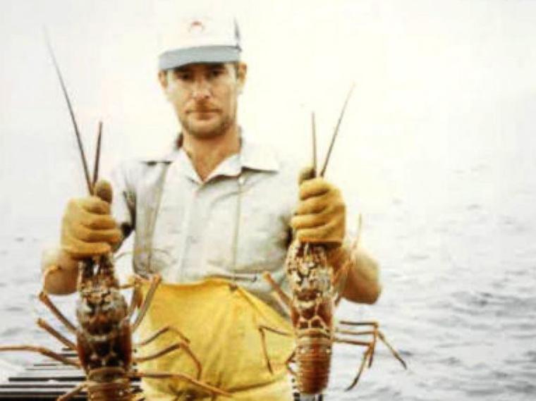 A halász, akinek a nevét használta, 1991-ben egy hajóbalesetben vesztette életét